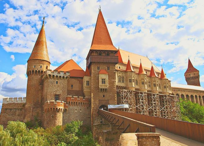 Holiday And Relaxing Nice Picture 😉👌 Taking Photo Hunyad Castle in Rumania Sky And Clouds Enjoying Life <3 People Photography Love Traveling 😃👍