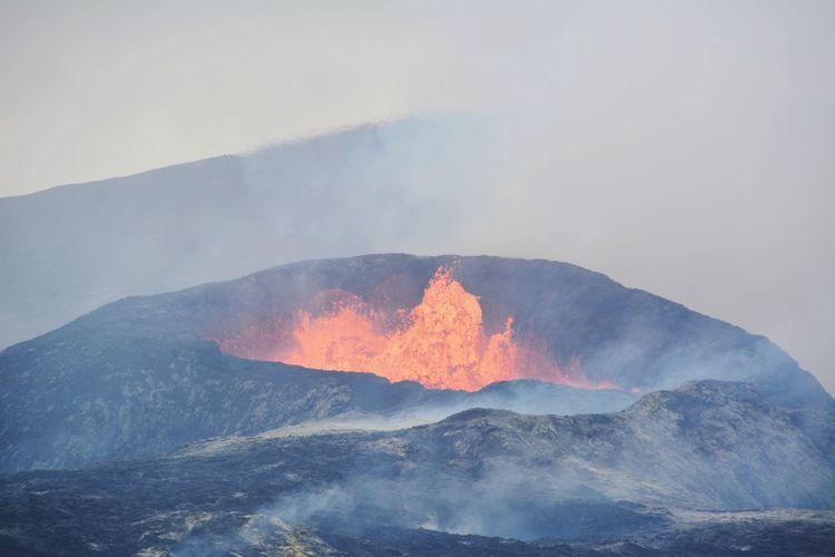 Fagradalsfjall volcano iceland