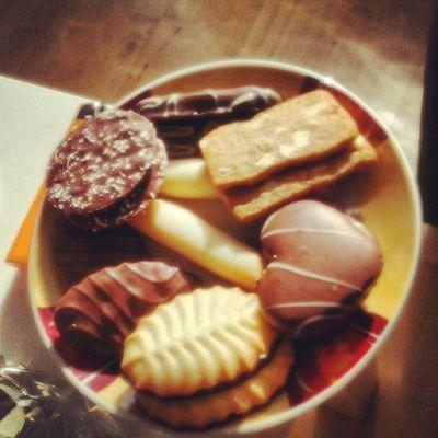 #cookies #lecker #zumcafe #meicamachtdaswürstchen #cafelatte #schokolade Lecker Cookies Schokolade Cafelatte Meicamachtdaswürstchen Zumcafe