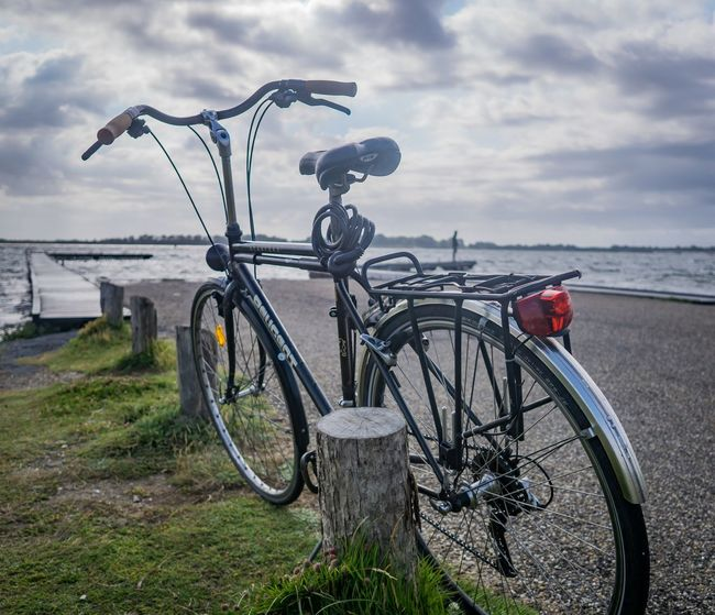 Mit dem Fahrrad in Holland Bicycle Transportation Cycling Mode Of Transport Outdoors Sea Cloud - Sky Water Wheel Summer Day Vacations Nature An Eye For Travel