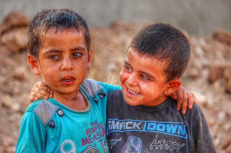 Cocuklar Childhood Boys Elementary Age Focus On Foreground Portrait Girls Looking At Camera Leisure Activity Headshot Person Casual Clothing Innocence Togetherness Front View Blue First Eyeem Photo