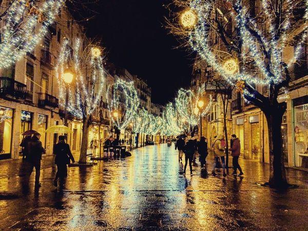 Carrers mullats Girona Rain Rainy Days Rambla City Light