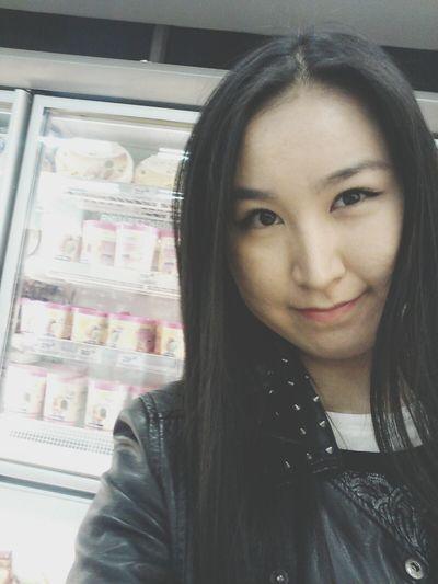 в магазин за пивом, сыром и мороженым^_^ Shopping Ice Cream People Watching Selfie