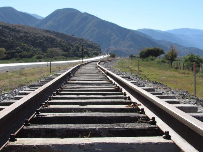 Old train raíl