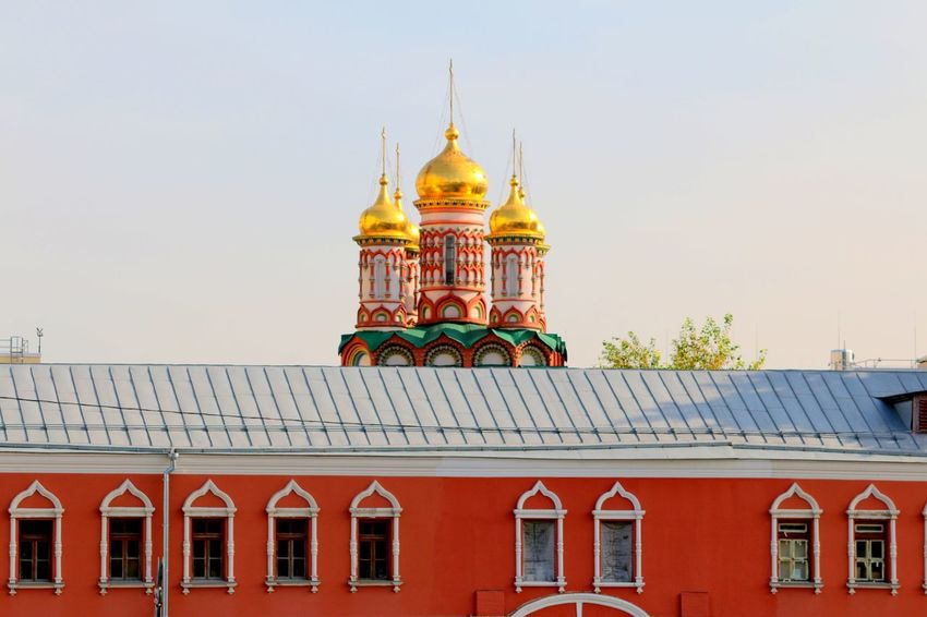Moscow, Russia #Food #Moscow River #bluesky #buildings #kremlin #landscapes #moscowmetro #travel #travelphotography #whiterabbitmoscow Russia