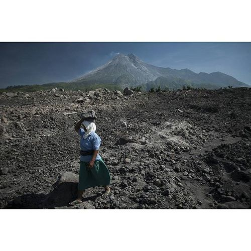 The destruction left after the 2010 eruption of Mount Merapi in central Java, more than 350.000 people were evacuated from the affected area. Eruption Volcano Java INDONESIA photojournalism asia everydayasia ontheroad instagood reportage documentary humaninterest photodocumentary merapi nature lava