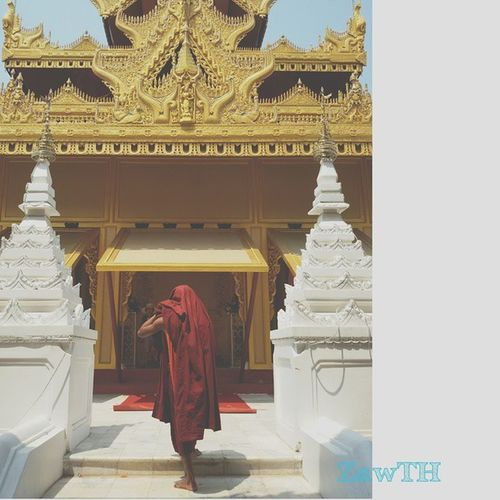 Morning . Happy Water festival and Myanmar New Year. Monk  Happymyanmarnewyear Thingyan  Waterfestival April Summer Monastery Temple Pagoda Buddhist Buddhisttemple Buddhism Mandalay Mandalayhill Myanmar Burma Igersmyanmar Igersmandalay Vscomyanmar Exploremyanmar Goldenland Ig_photo_life Stunning_shots Igersoftheday BSN mycapture galaxygrand2 zaw