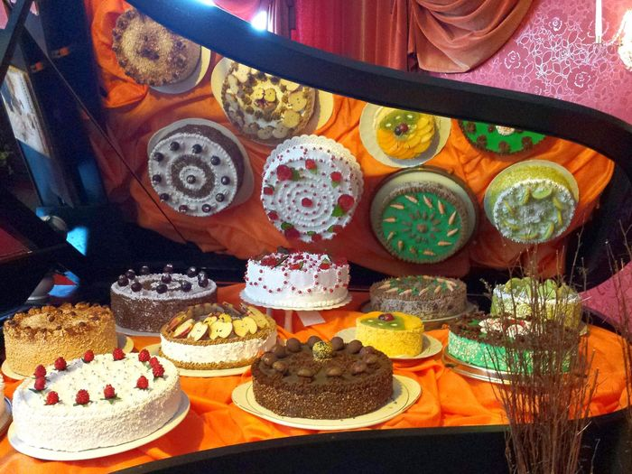 Tortenverzierung Cake Ornamentations Cake Decoration Torten Klavier Cakes Colourful Cake Ladyphotographerofthemonth Mirroring Mirror Effect Mirror in a piano , Spiegel in einem klavier, Spiegelbild Gateaus Flan Easter Ready Things I Like