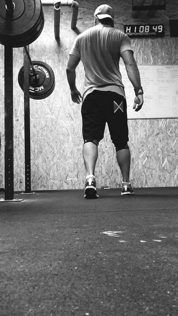 Standing Full Length Sport Only Men One Man Only Adult Adults Only People One Person Men Day Sportsman Indoors  Headwear Crossfit_LifeStyle Crossfit Strong CROSSFİTMAN CrossFitTraining Strenghtnoweakness