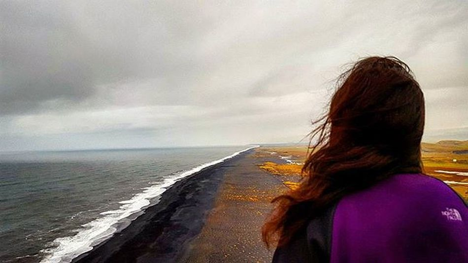 All this warm weather is making me think of the beach! Behold, the beautiful Black Sand beaches of Iceland! 😄 Picoftheday Photooftheday Instagood Outdoorwomen Outdoorlife Ig_iceland MyStopover Wheniniceland Whyiceland Beach Blacksand View Alpinebabes Mountaingirls Neverstopexploring  Mytravelgram Everydayiceland Lifeofadventure Radgirlslife Exploreiceland