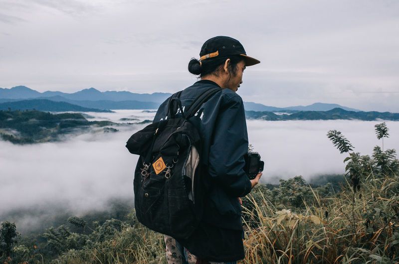 hang out with my folks in the misty morning Adult Adults Only Backpacker Backpacking Day Fog Headwear Hill Misty Morning Morning One Man Only One Person Only Men Outdoors People Waist Up The Great Outdoors - 2017 EyeEm Awards Let's Go. Together.