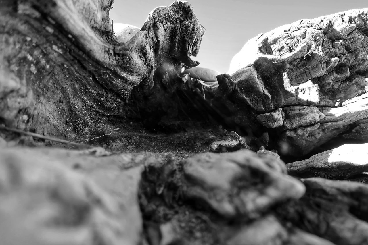 CLOSE-UP OF ROCK FORMATIONS