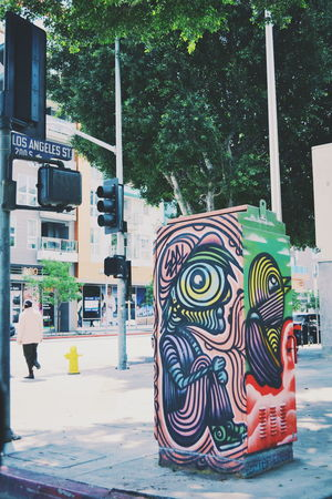 In the dead fckin center looking around 📍 Feel The Journey Showcase June Randxmphotography NikonD3100 Createexploretakeover VSCO Streetphotography Streetart Fine Art Photography