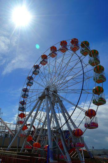 Cadonas Fun Fair Big Wheel Enjoying Life Taking Photos Sunny Day Ferris Wheel Grampian Eye
