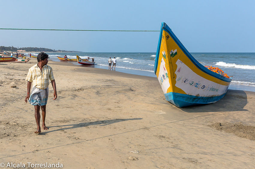 Walking in a fishing village in Mahabalipuram India. Creative Light And Shadow Colors Travel People Photography India Incredible India People Indian Portrait Check This Out