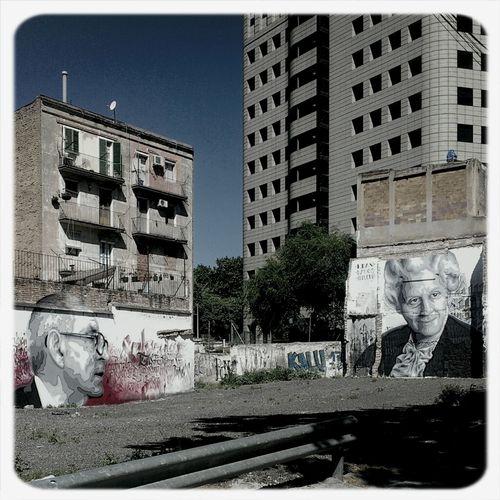 Espriu vs Rodoreda Streetphotography Graffiti City Barcelona