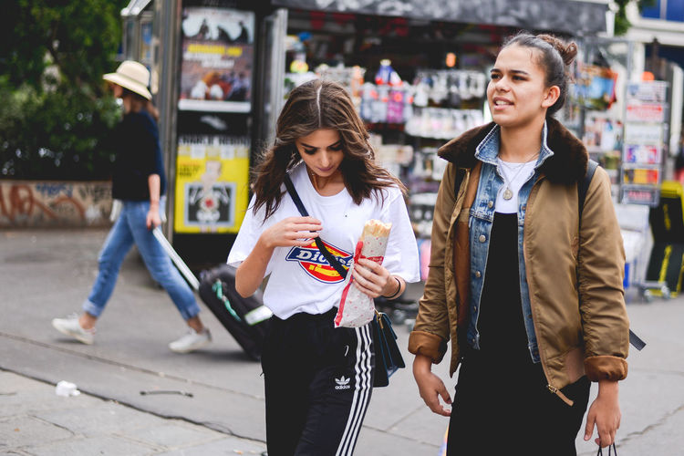 France French French People Montmartre Paris People Snap a Stranger Strange Street Street Art Street Photography Streetphotography The Photojournalist - 2017 EyeEm Awards The Street Photographer - 2017 EyeEm Awards Waling Around Walking By The Traveler - 2018 EyeEm Awards The Street Photographer - 2018 EyeEm Awards