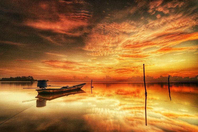 The burning sky during one fine sunrise