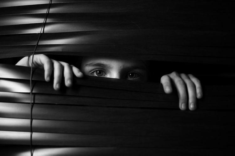 Ребенок Human Body Part Human Face Horror Adults Only Young Women Human Eye Human Hand One Person Only Men Working Looking At Camera чернобелоенастроение EyeEmNewHere