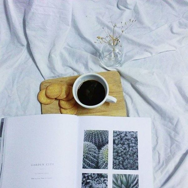 Coffee Coffeetime Brew Living Liveauthentic Life Folk Gardencity White VSCO Vscothailand Igcoffee Igthailand Vscocoffee Vscogood Cool Chilling Coffeeinbed Coffeeinthemorning Reading Breakfast Bookandcoffee Bangkokcity Morningtime Goodmorning adayinthailand tbt instacoffee dream dreamscape