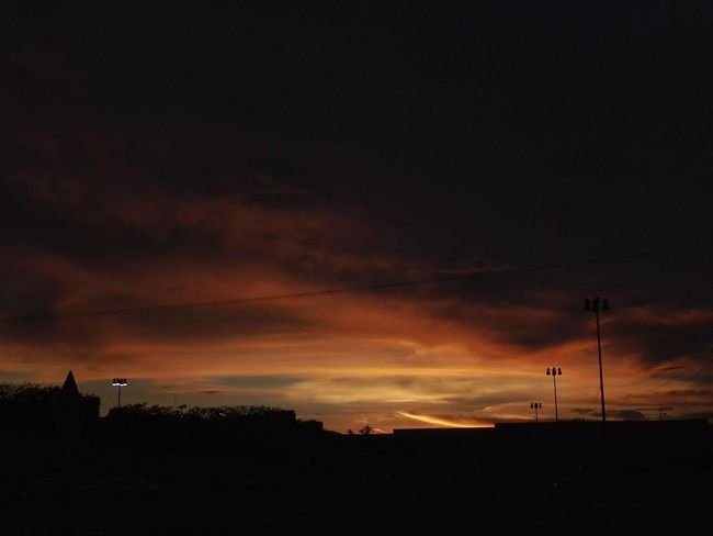 Casi Self Perspective Walker Naturaleza Bella Suspiro Sunset Dramatic Sky