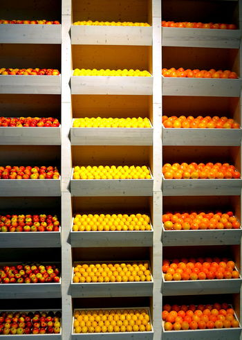 Beautifully Organized Fruits Yellow Food Colour Of Life No People Freshness Regale Regale Orange Zitrone Lemon Apple Shelves Food Stories