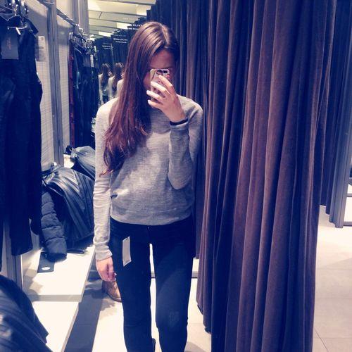 хочу.быть.худой. А еще я ненавижу двойные зеркала,так как из-за них мои жирные ноги кажутся мегажирными. Fat