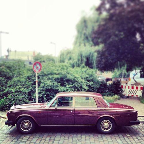 Rock & Rolls #karre #classiccar #rollsroyce #rr #berlin #kreuzberg Berlin Karre Kreuzberg Oldtimer Rr Soloparking Classiccar Vintagecar Rollsroyce Altekarrenbattle