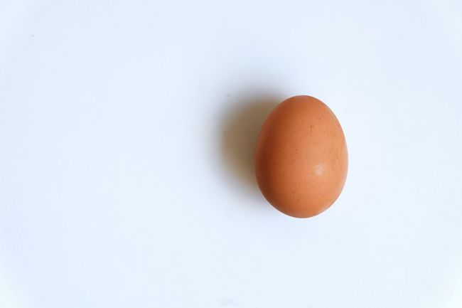 ! Backgrounds Composition Copy Space Egg Food Fujifilmxm1 Healthy Eating Healthy Lifestyle Ideas Indoors  Minimalism Minimalist Negative Space No People Organic Simplicity Simplistic Single Object Still Life Studio Shot Table White Background Pastel Power White Album White