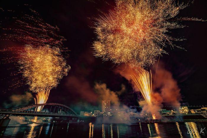 沼津夏祭り2018 EyeEm Selects Water City Illuminated Firework Display Celebration Firework - Man Made Object Exploding Cityscape Sky Sparks Firework First Eyeem Photo EyeEmNewHere
