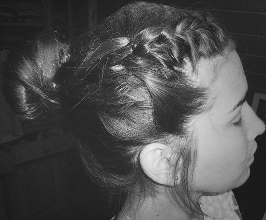 Tried this Hairstyle :D Oldie <3 miss my old Hair > Girlproblems