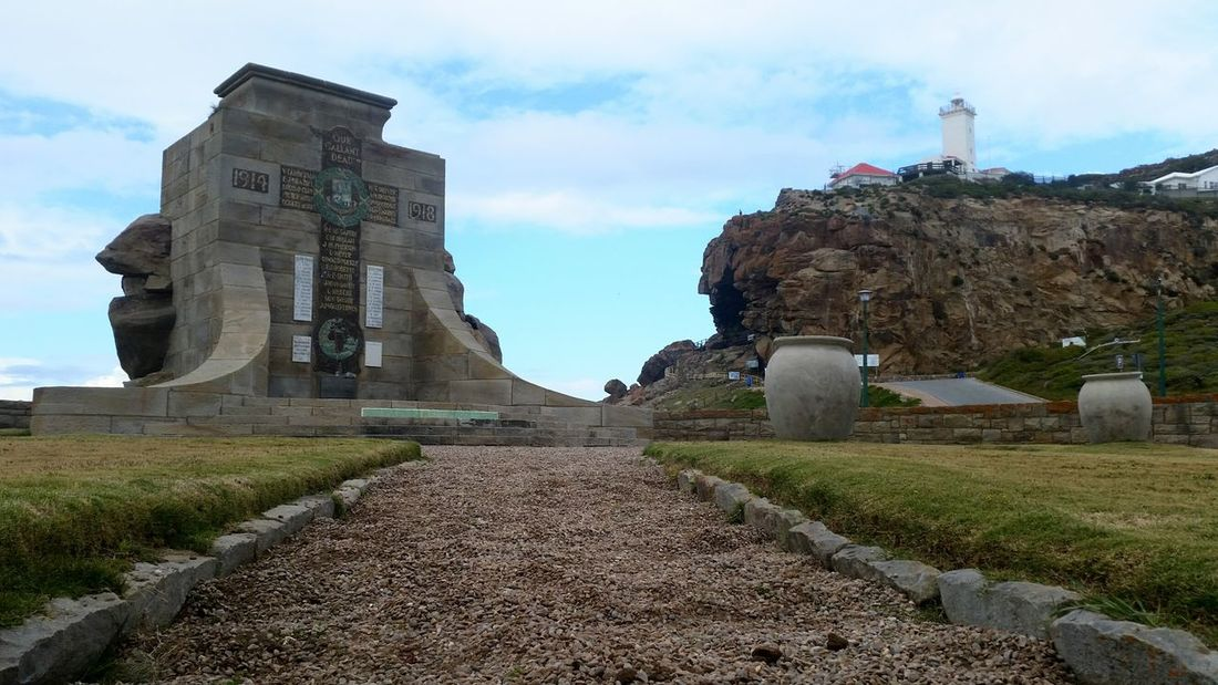 Architecture Built Structure Building Exterior History The Past Old Old Ruin Medieval Grass Ruined Famous Place Travel Destinations Surface Level Tower Footpath The Way Forward Sky Ancient Pathway Outdoors 1914 To 1918 Mosselbay