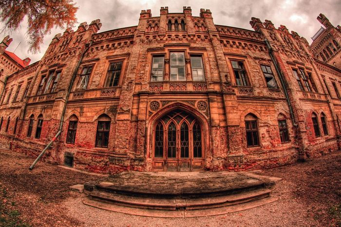 C A S T L E. H D R Castle HDR Hdr_Collection Architecture Outdoors Fall Autumn Old Old Buildings Nature First Eyeem Photo