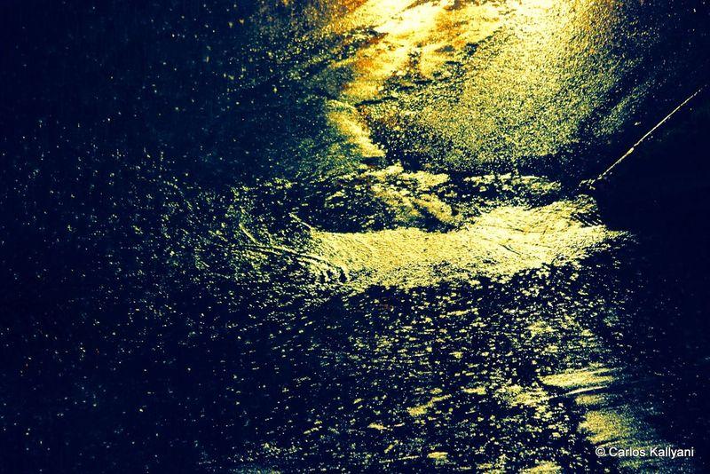 Buraco no Asfalto No People Water Brasília Minha♥ Fotografia Photo Gavião Brasília - Brazil Photo Fotografia Foto Photography Fotoart Asfalto Rua Chuva Rain