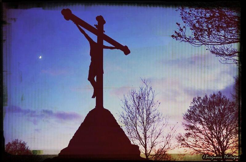 BRGMNZ Photography Religious  Sundown