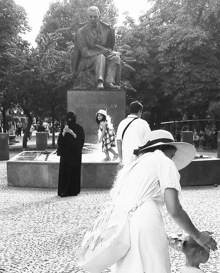 Silence Silence Before The Storm Hviezdoslav Monument Muslims Multiculture Multicultural Blackandwhite Black And White Black & White Bratislava, Slovakia Slovakia Bratislava