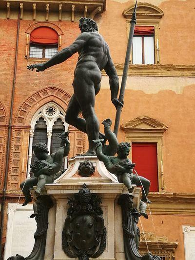 City King - Royal Person Sculpture Statue Astrology Sign Renaissance History Monument Cultures Lion - Feline Fine Art Statue Town Square Mythology