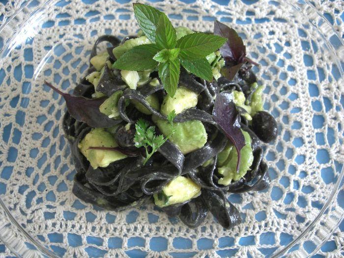Abocado C'est Bon :) Charcoal Pasta Food Lunch Time! Mint Pasta Vegan Meal 炭