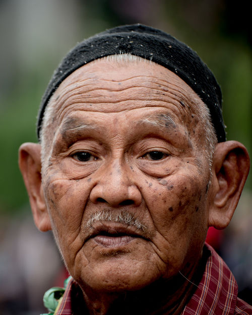 Oldman Senior Adult Human Face Senior Men Headshot Portrait People Real People Close-up Outdoors Street Photography Street Life Streetphotography City Life NX1 INDONESIA Jakarta Carfreeday Working