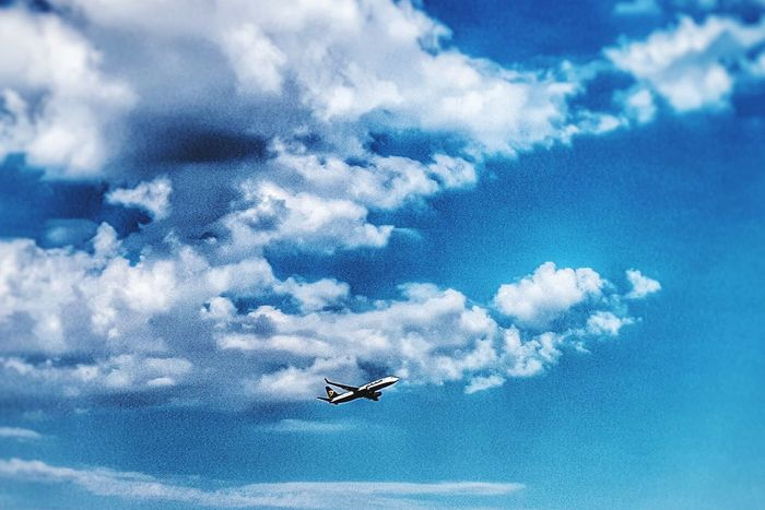 Taking Photos Hello World Samsungphotography Sky Check This Out Outdoor Photography Sweden Showcase June Outside Aircraft Comercial Airline Outside Photography Outdoors Taking Photos Sky And Clouds Playing With Filters The Sky Has No Limit... Photography Hobbyphotography Wish I Was There Airport Plane Coolest  Awesome Spring