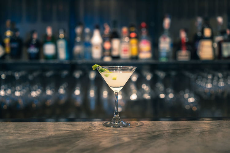 Cocktail Alcohol Backgrounds Bar Bokeh Drinking Glass Hand Mix Nightlife Party Selective Focus