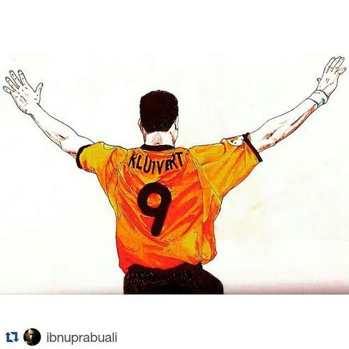 Repost @ibnuprabuali with @repostapp ・・・ Art Illustration Drawing Draw Picture Photography Artist Sketch Sketchbook Paper Pen Pencil Artsy Instaart Gallery Masterpiece Creative Instaartist Graphic Graphics Artoftheday Knvb Euro2000 Kluivert patrickkluivert holland netherland football soccer