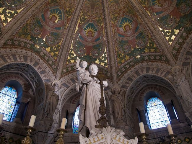 Angel Arch Architecture Art And Craft Belief Building Built Structure Ceiling Creativity Cupola Glass Human Representation Low Angle View Male Likeness Mural No People Ornate Place Of Worship Religion Representation Sculpture Spirituality Statue Travel Destinations