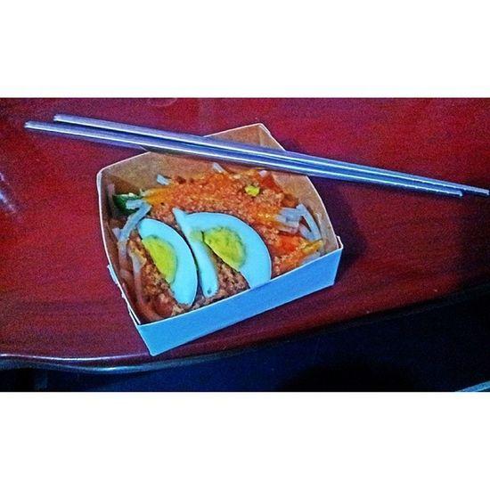 Palabok Palabok Pinoy Pinoyfood Food filipino filipinofood merienda itsmorefuninthephilippines wowphilippines philippines travelphilippines