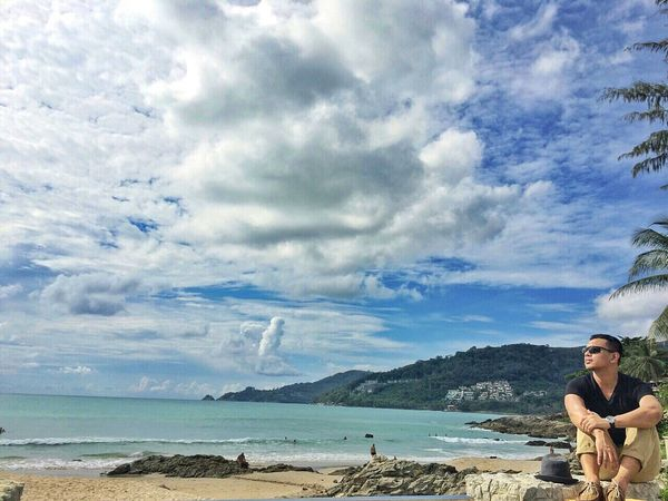 Cloud - Sky Sea Sky Nature Beauty In Nature Scenics Day Outdoors Horizon Over Water One Person People Adult Water Adults Only Beach Phuket Patongbeach Holiday Beachphotography Sunnyday Hotday Sunscreen Bluesky