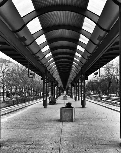 Symmetrical Architecture Black & White Public Transportation Taking Photos Tadaa Community Urban Geometry In The Terminal