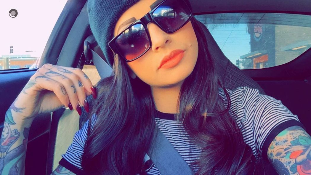 Coolerthanapolarbearstoenail Shawty Bad  Damnright Relaxing Snapchat